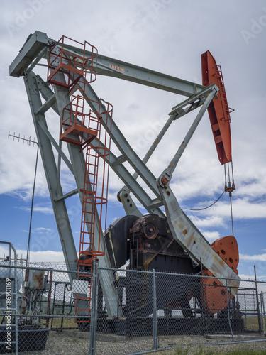 Foto op Aluminium Canada Oil rig, Cowboy Trail, Highway 22, Southern Alberta, Alberta, Canada