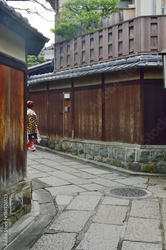 Fotobehang Kyoto 京都 新春の石塀小路