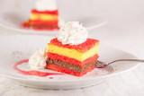 zuppa inglese italian traditional cake - 186987388