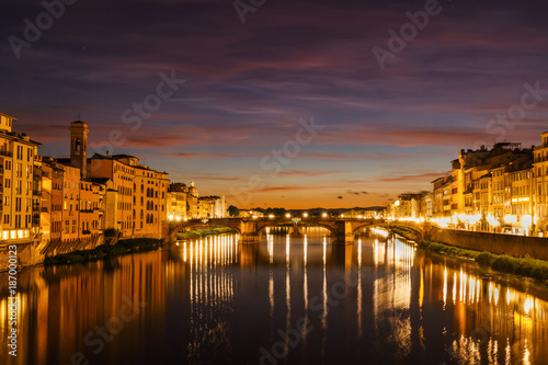Fotobehang Florence Florence night and sunset lights from ponte vecchio