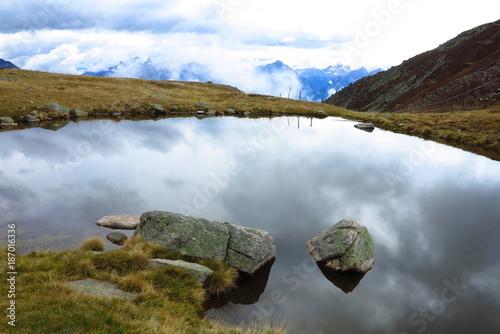 Foto op Canvas Bergen Bergsee im Pustertal bei Rammelstein, Südtirol, Italien