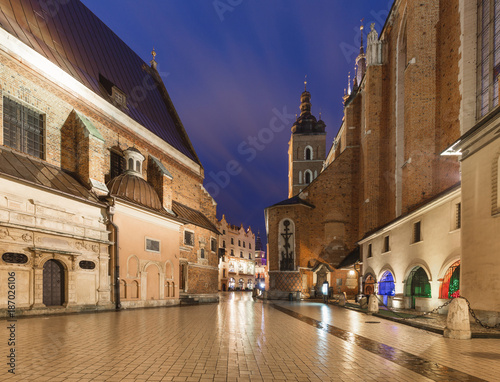 Fotobehang Krakau Krakow by night / the old town and historical architecture.