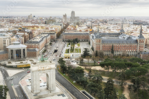 Foto op Canvas Madrid Aerial view of Madrid, Memory Arch on the Moncloa Square. Spain.