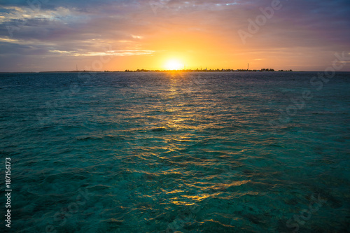 Keuken foto achterwand Zee zonsondergang Sonnenuntergang im Paradies