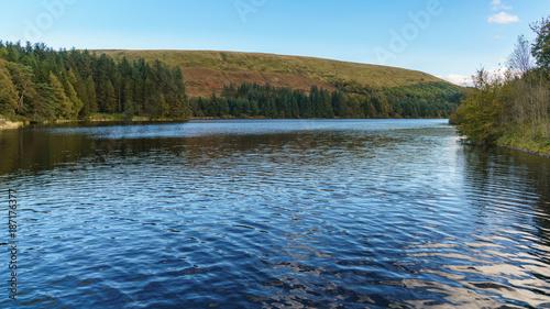 In de dag Blauwe jeans Pontsticill Reservoir between Torpantau and Merthyr Tydfil, Powys, Wales, UK