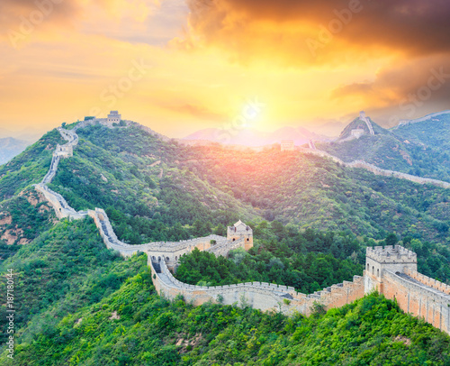 Keuken foto achterwand Zwavel geel Great Wall of China at the jinshanling section,sunset landscape