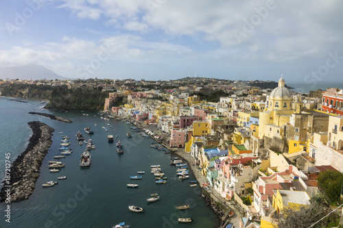 In de dag Napels Procida is one of the Flegrean Islands off the coast of Naples in southern Italy