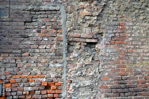 In de dag Baksteen muur Alte Bausteinmauer mit Flickwerk
