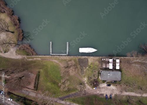 Foto op Aluminium Cappuccino prospettive dal drone, mantova, lago superiore