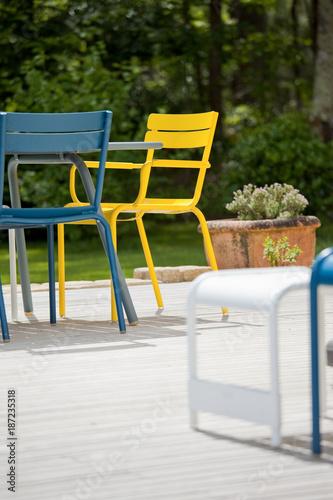 Foto Murales Terrasse au soleil et salon de jardin