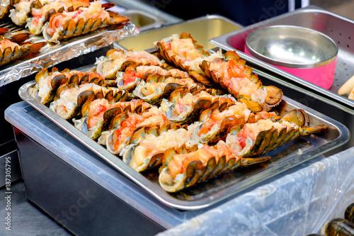 Deurstickers Seoel Lobster meat along with the cheese grilling (Korea street food)