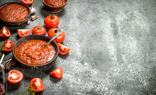 Foto Murales Tomato sauce with spices and herbs.