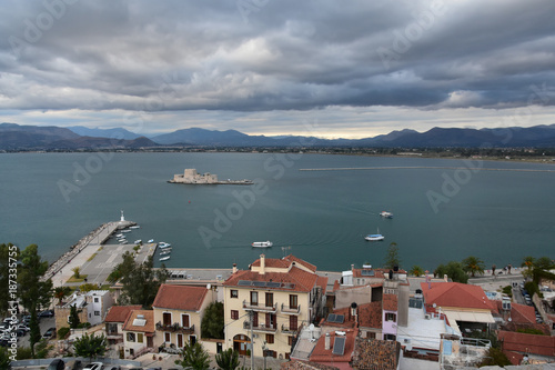 Tuinposter Algerije View from Palamidi castle, Nafplio, Greece to the old town of Nafplio and to Bourtzi water castle in Argolic gulf