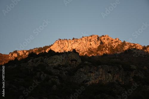 Fotobehang Zwart Mountain