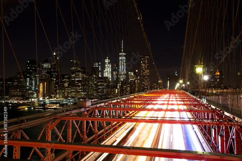Foto op Aluminium New York Brooklyn Bridge with Blurred Light Trails, New York City