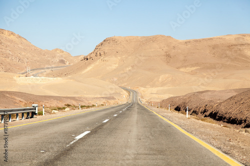 Keuken foto achterwand Beige Road in a desert