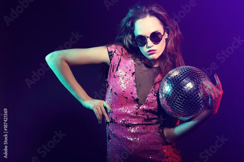 Sexy disco party woman. - 187421369