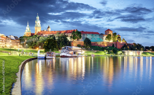 Fotobehang Krakau Wawel hill with castle in Krakow at night, Poland