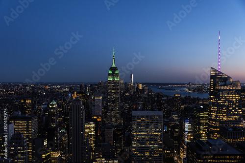 Foto Murales Night skyline of New York City.