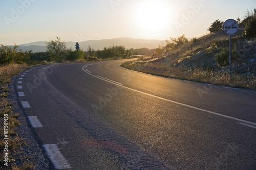 Fotobehang Landschappen Country road