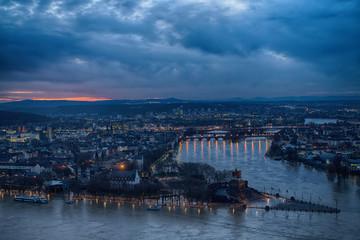 Hochwasser in Koblenz - Blick auf das Deutsche Eck mit Rhein und Mosel