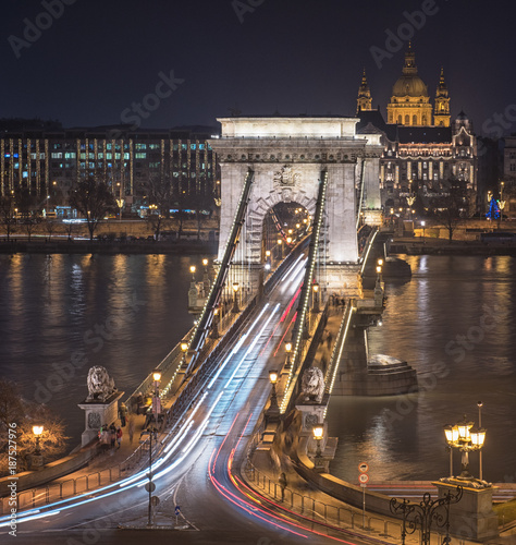 Foto op Plexiglas Boedapest Famous Chain Bridge in Budapest at night