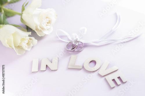 Liebesbekenntnis, Heiratsantrag - 187571175