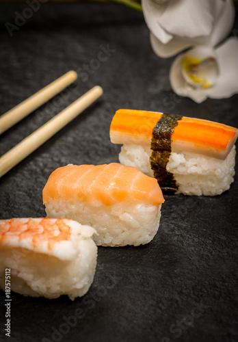 Foto op Canvas Sushi bar Sushi rolls nigiri