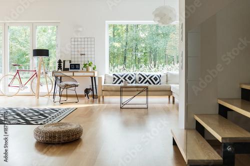 Papiers peints Kiev Spacious living room with workspace