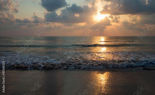 Papiers peints Mer coucher du soleil Sunset over sea