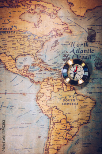Aluminium Schip Columbus day and world map with compass