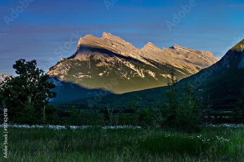 Fotobehang Zwart ALPINE GLOW Rocky Mountains ALBERTA CANADA