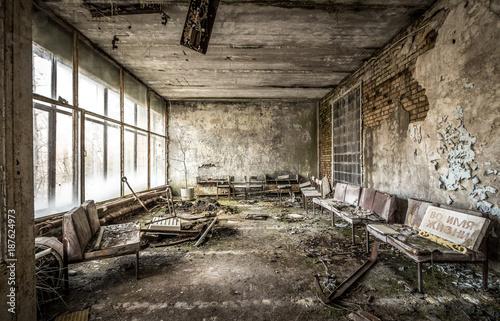 Deurstickers Oude verlaten gebouwen Krankenhaus Tschernobyl