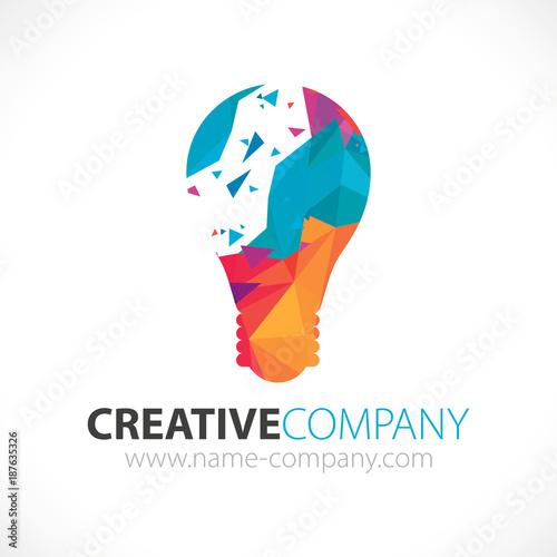 logo idée créativité entreprise concept lumière moderne ampoule design  © Bubble Identity