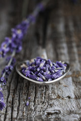 Close-up of the spoon with dry lavender.