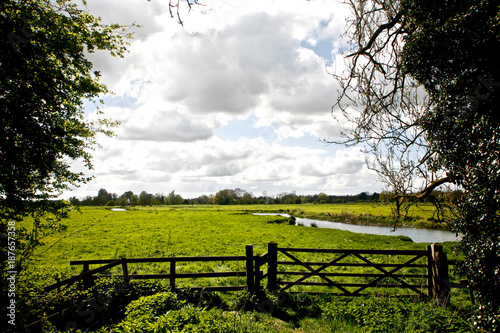 Fotobehang Zwart River Waveney, Thorpe Abbotts and Homersfield