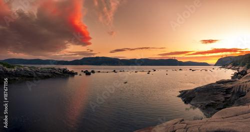Foto op Aluminium Canada Coucher de soleil sur le fjord