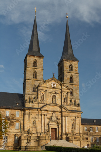 Foto Murales Church facade in the old town of Bamberg, UNESCO Heritage, Germany