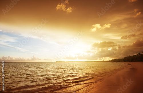 Aluminium Zonsopgang sunset on the beach of caribbean sea