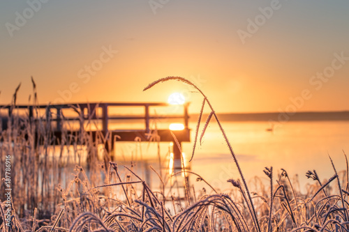 Foto auf Acrylglas See sonnenuntergang winter