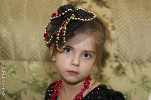 Портрет девочки в шляпке