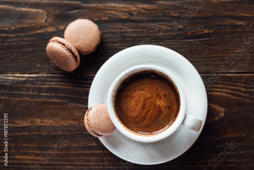 Fotobehang Macarons French biscuits macarons with coffee