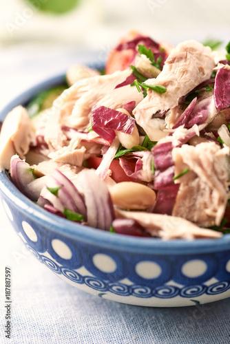 Foto Murales Tuna salad with white beans and radichio