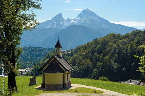 Fotobehang Blauwe jeans St. Bartholomew's Church in Berchtesgaden, Germany
