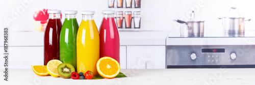 Foto op Plexiglas Sap Saft Smoothie Smoothies Flasche Orangensaft Fruchtsaft Frucht Banner Früchte