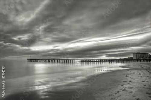 Foto Murales Sunset pier black and white