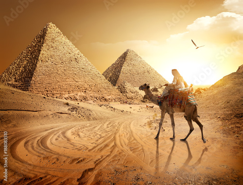 Road to pyramids