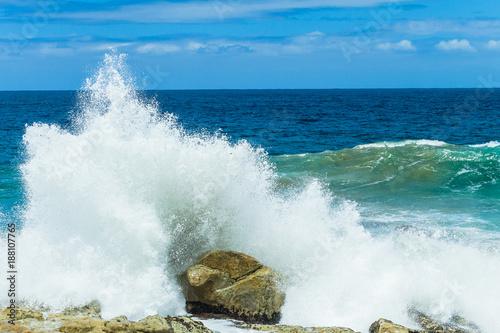 Foto Murales Ocean Waves Crashing Spray Coastline