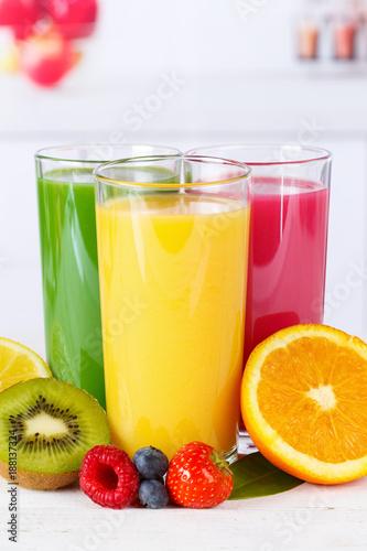 Fotobehang Sap Saft Orangensaft Smoothie Smoothies Fruchtsaft Frucht Hochformat Früchte Orangen Orange