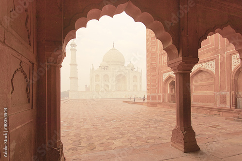 Foto Murales Taj Mahal epic traditional architecture view at sunrise